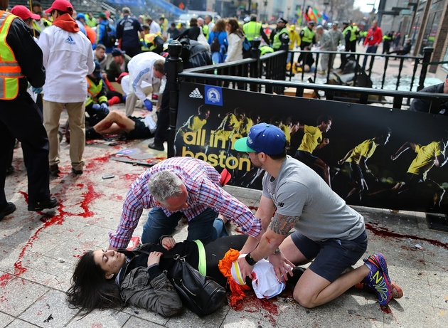 Photos of the Boston Marathon Bombing (VERY GRAPHIC - DISCRETION ADVISED) (4/6)